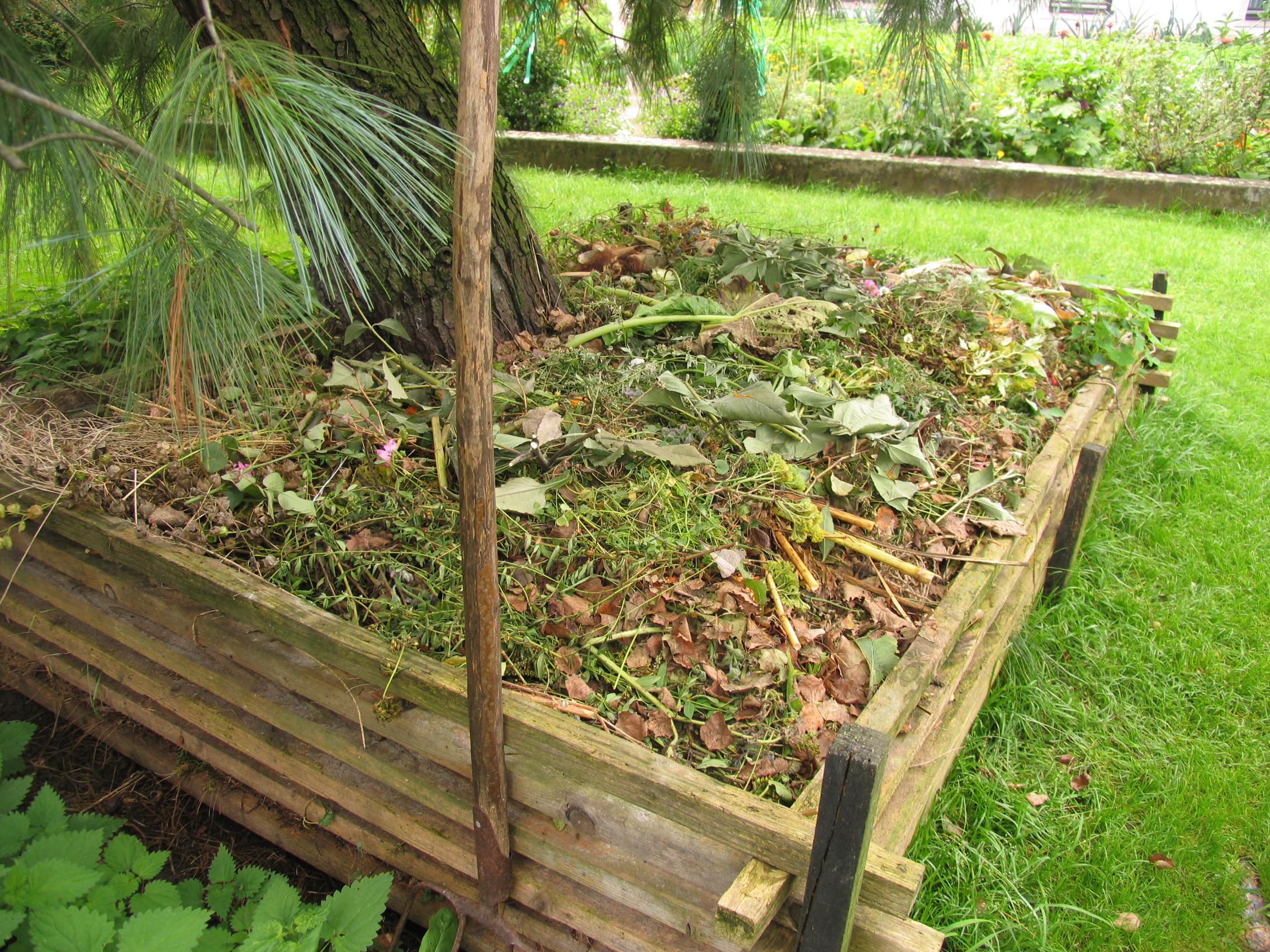 Organska gnojila: Najboljša sta kompost in gnoj  deloindom.si