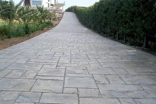 Asfaltiranje in betoniranje dvori dolga ivljenjska for Piedras para patios exteriores