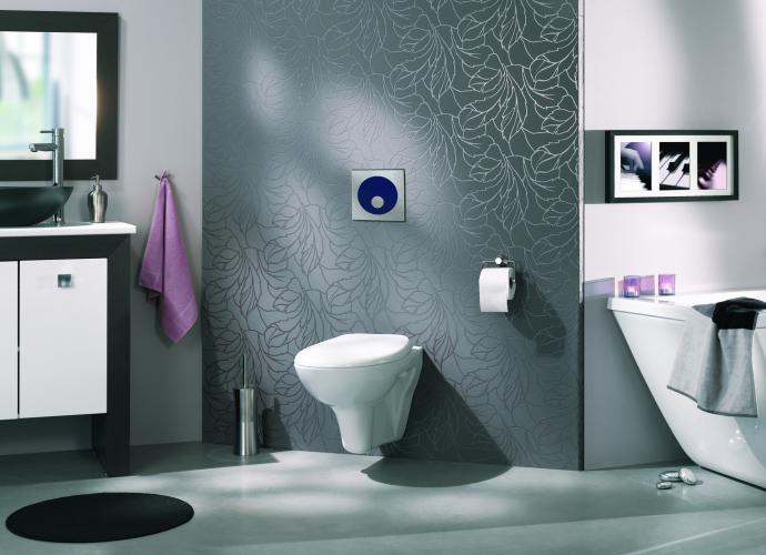 Kopalnice lesene police omarice in tudi tla for Quelle couleur pour des toilettes