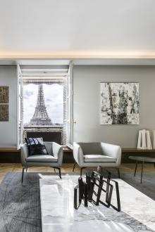 Največje razkošje, ki ga ponuja stanovanje v prestolnici Francije, je razgled na Eifflov stolp.