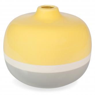 Vaza (višina 18 cm), www.maisonsdumonde.com, 24,99 evra