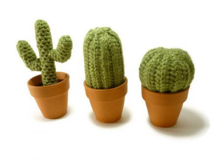 Set treh dekorativnih mini kaktusov iz preje, HarvestingHart, etsy.com, 29,12 evra