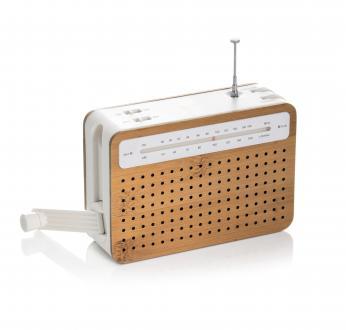 Safe Radio iz bambusa in ekološke plastike, izdelane iz koruze, Lexon, trgovina Flat, 69 evrov