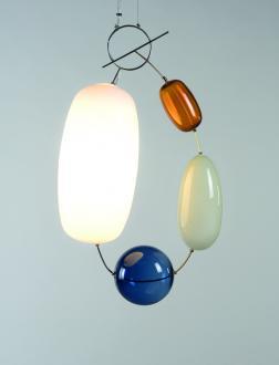 Viseče svetilo Hely, oblikovanje Katriina Nuutinen - Foto: Ikko Alaska