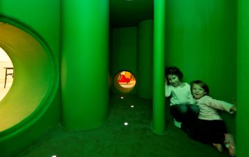 Labirint v Mali ulici, oblikovanje interierja Mateja Panter