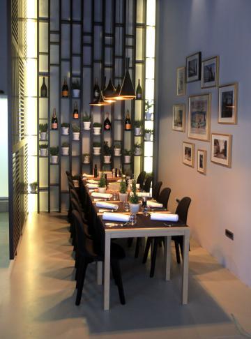 Interier restavracije Slon 1552 je zasnovala beograjska arhitekta Ksenija Djordjević.