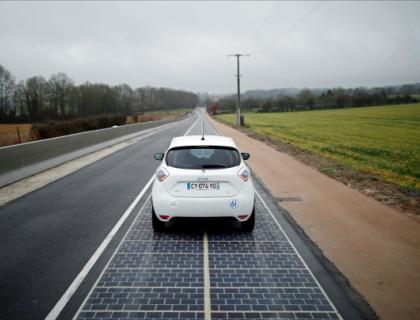 Francija s prvo solarno avtocesto na svetu