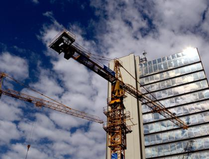 Gradbena in prostorska zakonodaja v vladnem postopku