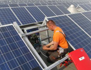 Fotovoltaika: novela uredbe na ustavnem sodišču