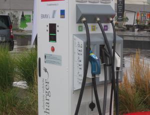 V BTC zagnali prvo univerzalno hitro polnilnico za električna vozila