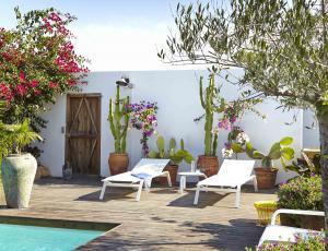 Vrtno pohištvo: Kotički za sprostitev