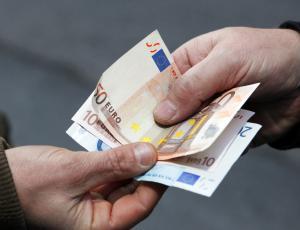 Natečaj priljubljeni izvajalec: Za gotovinsko plačilo na terenu račun iz vezane knjige
