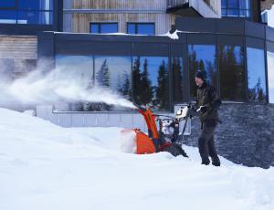 Snežne freze in lopate: Kidanje snega je lahko tudi užitek