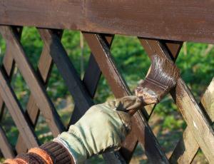 Zaščita za les na prostem: Upočasnimo staranje in propadanje