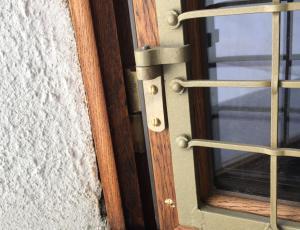 Okna stavbne dediščine: Za restavriranje se uporabi le star les