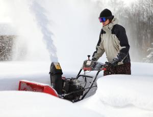 Snežne freze: Moč in velikost zajemalne površine za sneg
