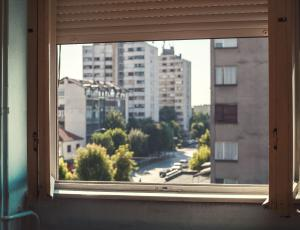 Zraku moramo omogočiti kroženje, še posebno ob zunanjih zidovih