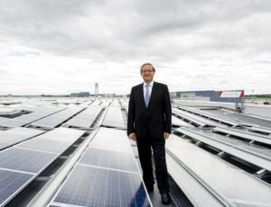 Prva sončna elektrarna na strehi dunajskega letališča