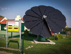 Na Dunaju »cveti« pametna solarna roža