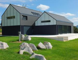 Marlesu priznanje za razvoj lesenih montažnih hiš