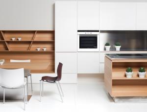 Kuhinje in jedilnice: s sejemskega prostora v domače okolje