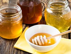 Zveza potrošnikov poziva k obširnejšemu testiranju medu