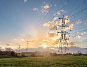 V drugem četrtletju za gospodinjstva dražji plin in elektrika