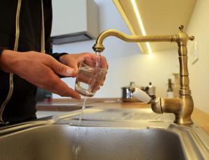 Delitev stroškov toplote: novi pravilnik ne zahteva vgradnje vodomerov