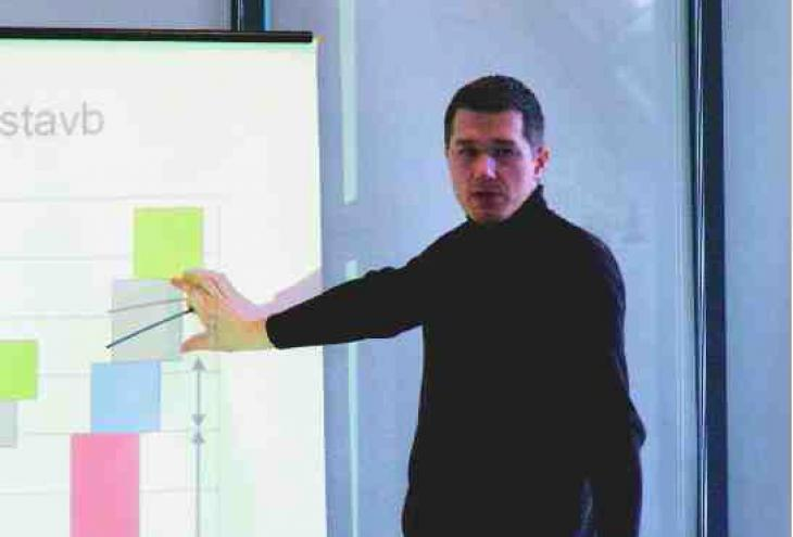 mag. Miha Praznik, vodja projektov na centru za bivalno okolje, gradbeno fiziko in energijo GI ZRMK.