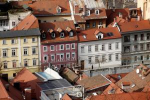 V Sloveniji primanjkuje okrog 9000 stanovanjskih enot Slika 2