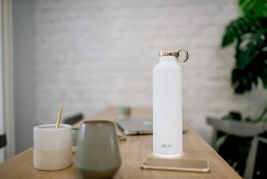 Slovenska pametna steklenička Equa maja na Kickstarterju Slika 1
