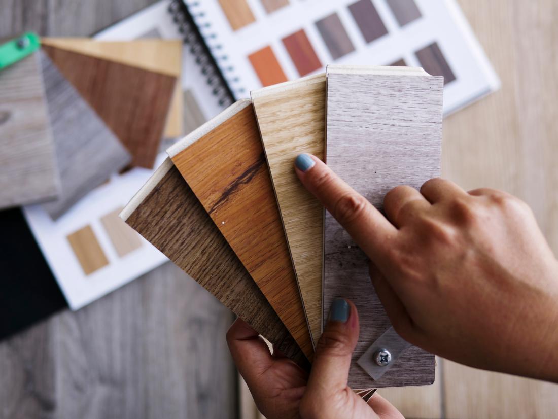 Prednost vinila je v veliki izbiri vzorcev – imitacije lesa, kamna, keramike. FOTO: Shutterstock