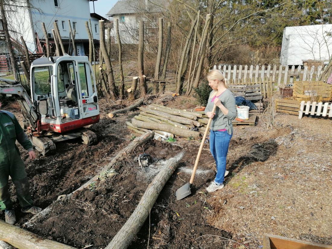 Prenova mojega vrta se je končno začela.