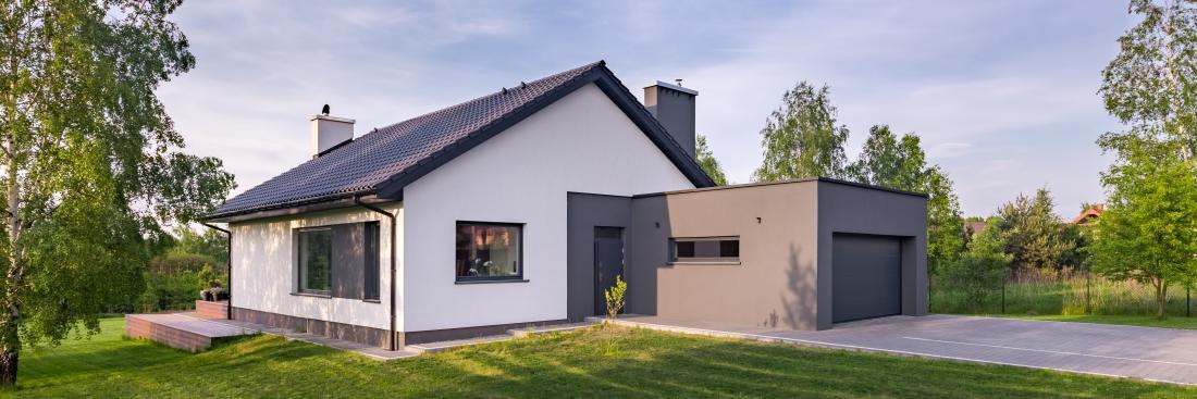 Garaž zaradi zahtev po energijski učinkovitosti hiše ni racionalno načrtovati znotraj ogrevanega dela stavbe.