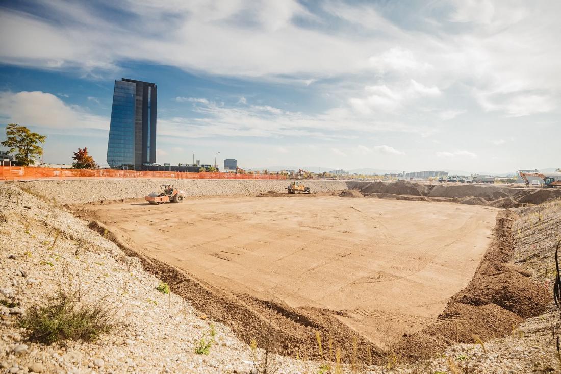 Z urejeno vso dokumentacijo in v avgustu letos pridobljenim dovoljenjem za gradnjo, so izpolnjeni vsi predpogoji za začetek gradbenih del. FOTO: Ikea