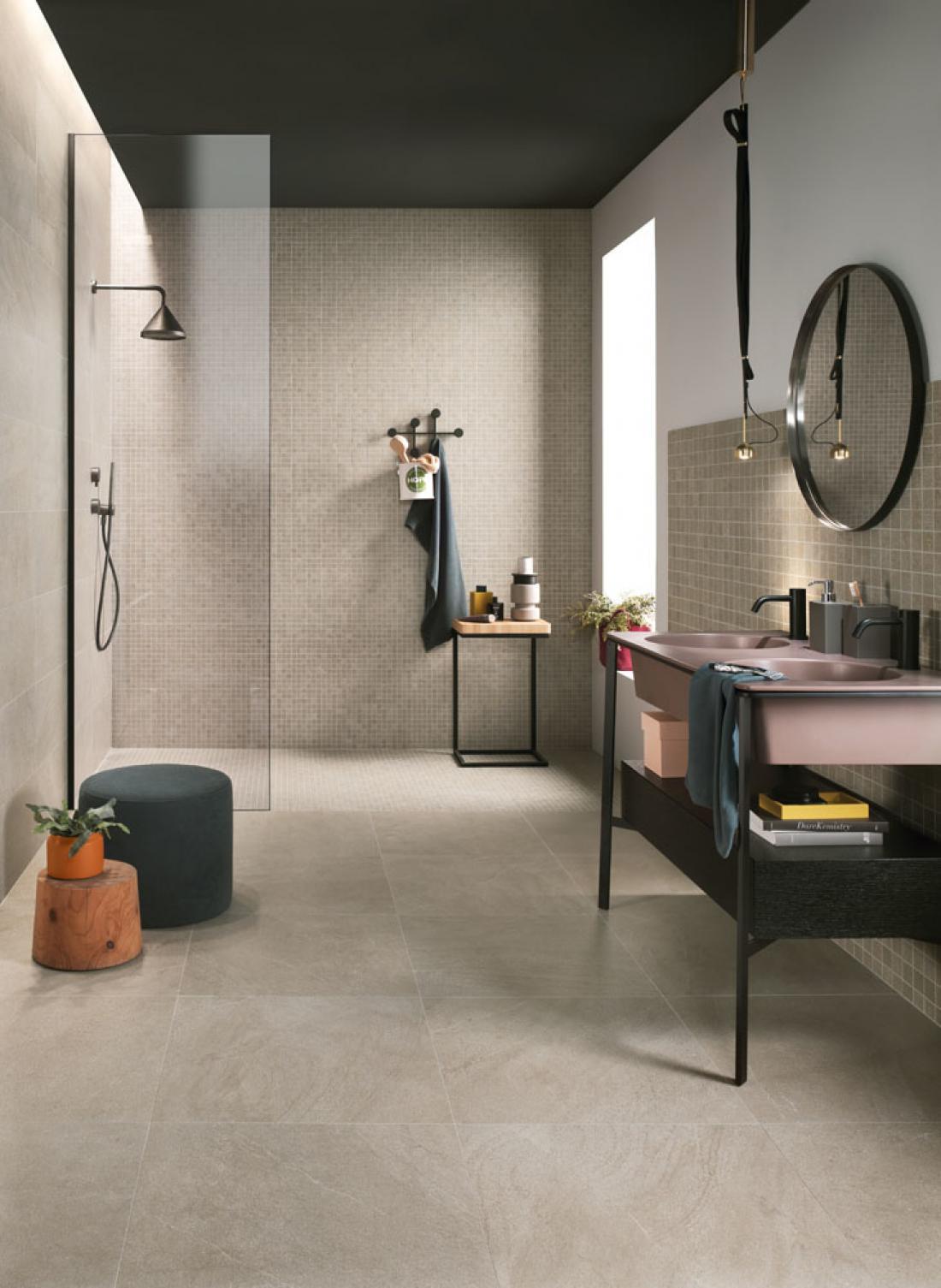 Pri razporejanju sanitarne opreme je treba paziti na primerne odmike med elementi (arhiv Lea Ceramiche).