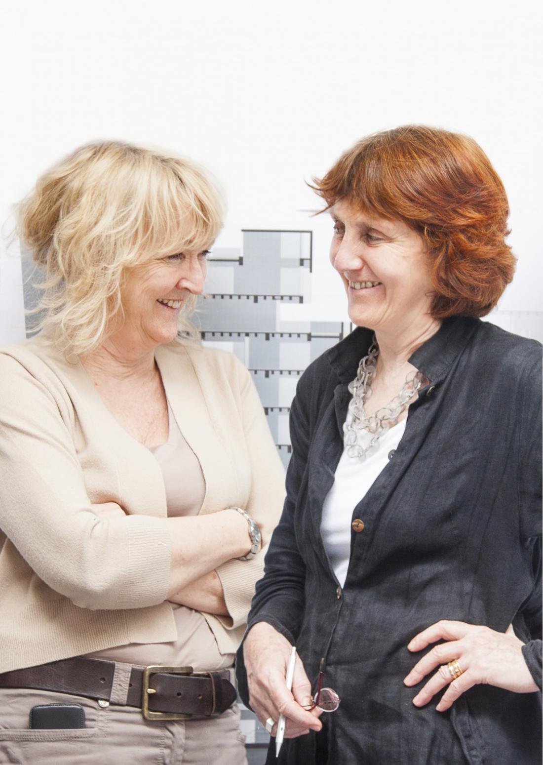 Nagrajeni arhitektki Yvonne Farrell in Shelley McNamara. FOTO: Alice Clancy