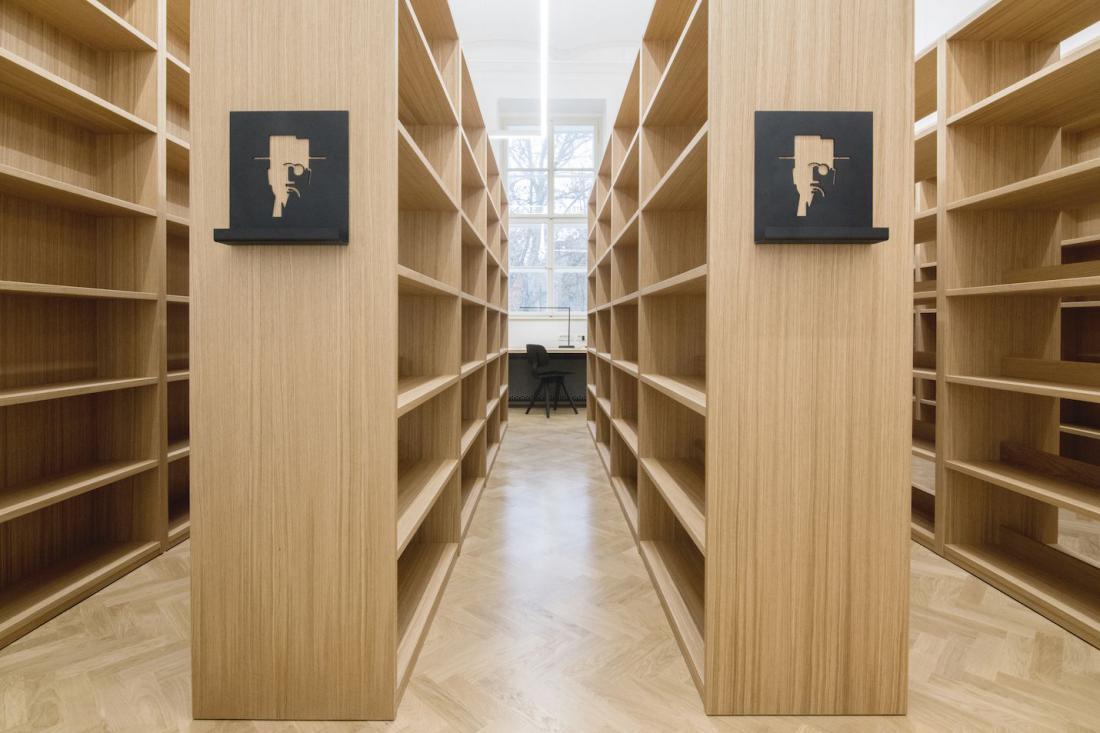 Zmagovalka v kategoriji javnih objektov: Šolska knjižnica na Gimnaziji Jožeta Plečnika v Ljubljani, Curk arhitektura. FOTO: Nika Curk