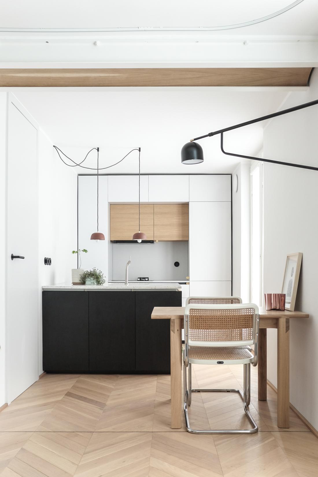 Posebna omemba v kategoriji zasebni interier 2020: projekt 31M2, oblikovanje biro Studio Aino (arhitekta Urša Križman in Luka Fabjan). FOTO: arhiv Studio Aino