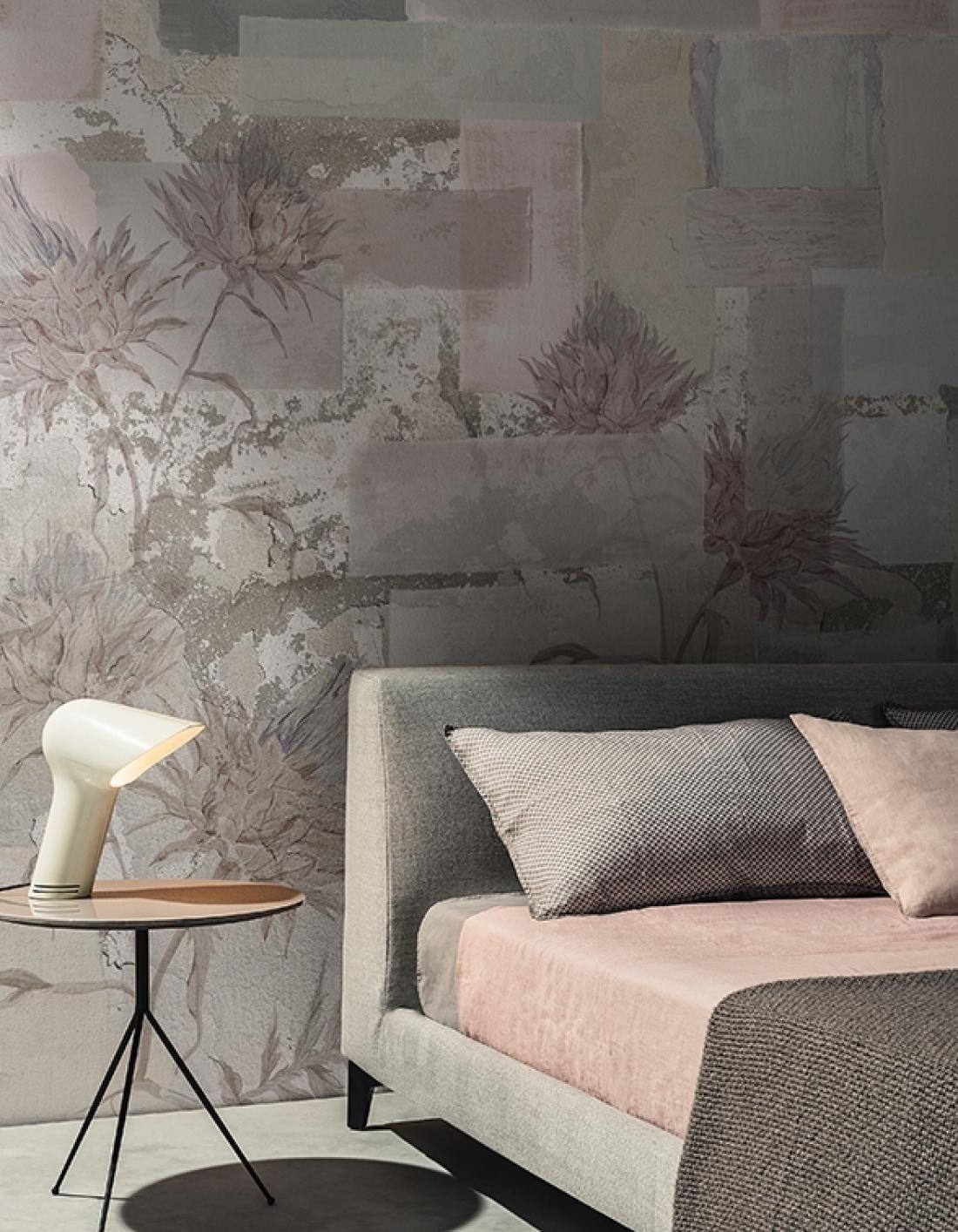 Siva je priljubljena izbira tudi pri stenskih tapetah. FOTO: arhiv podjetja Wall & Deco