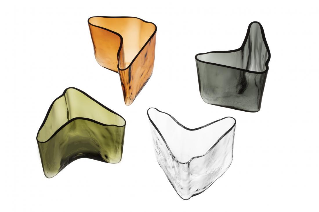 Ob tej priložnosti so v omejenem številu izdelali Aaltovo vazo, ki po obliki spominja na boomerang.