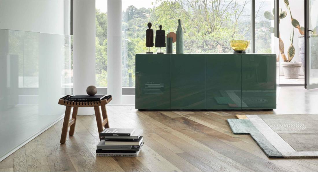 V novih kuhinjah je zelena na ličnicah omaric in delovnih otokov.