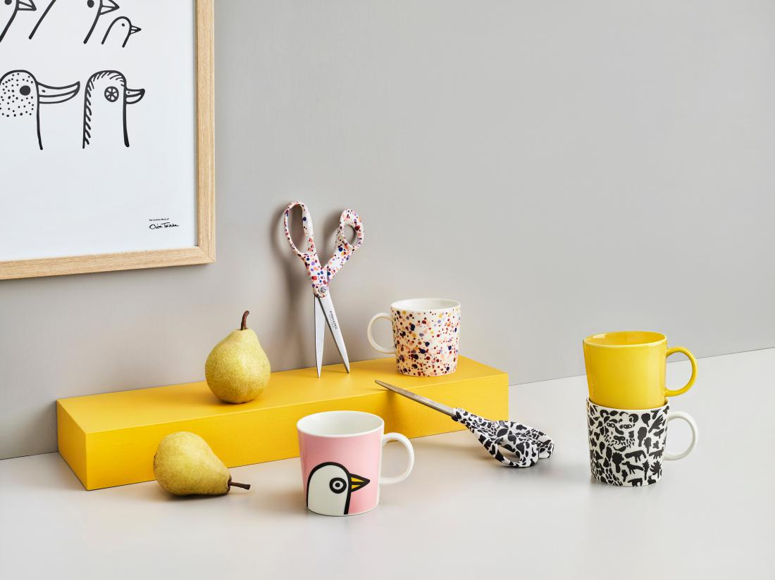 Vse izdelke iz nove kolekcije povezuje šest različnih umetniških del Toikke, ki predstavljajo vzorce na posameznem kosu.