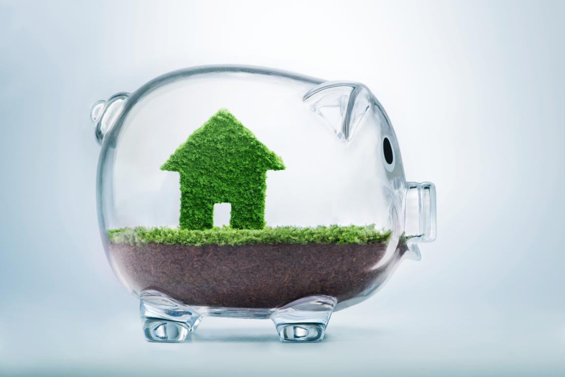 Pri bankah večinoma pričakujejo od 40- do 20-odstotno lastno udeležbo pri naložbi v dom. FOTO: Shutterstock