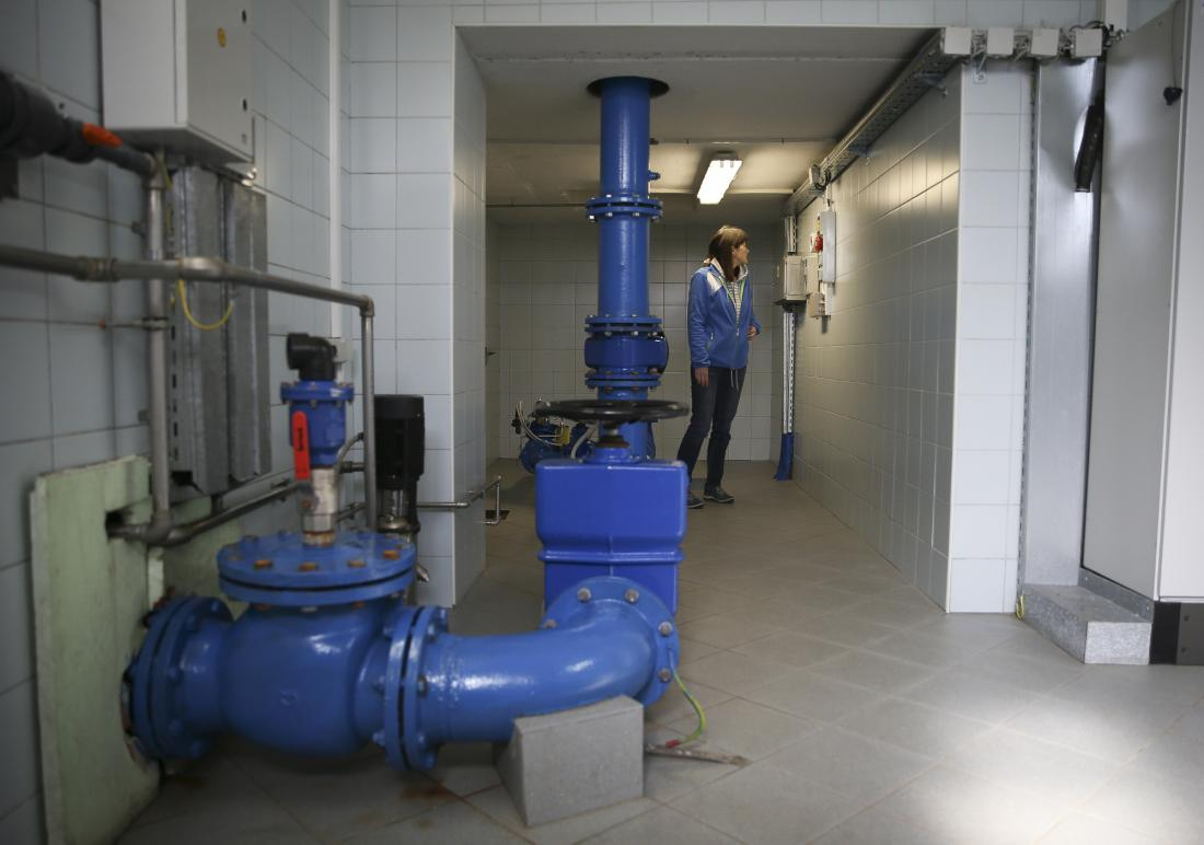 Vsak naročnik TČ voda/voda se mora pred izkopom vrtin in vgradnjo novega ogrevalnega sistema obrniti na Direkcijo RS za vode, ki izdaja dovoljenja za uporabo in izkoriščanje voda. FOTO: Jože Suhadolnik/Delo