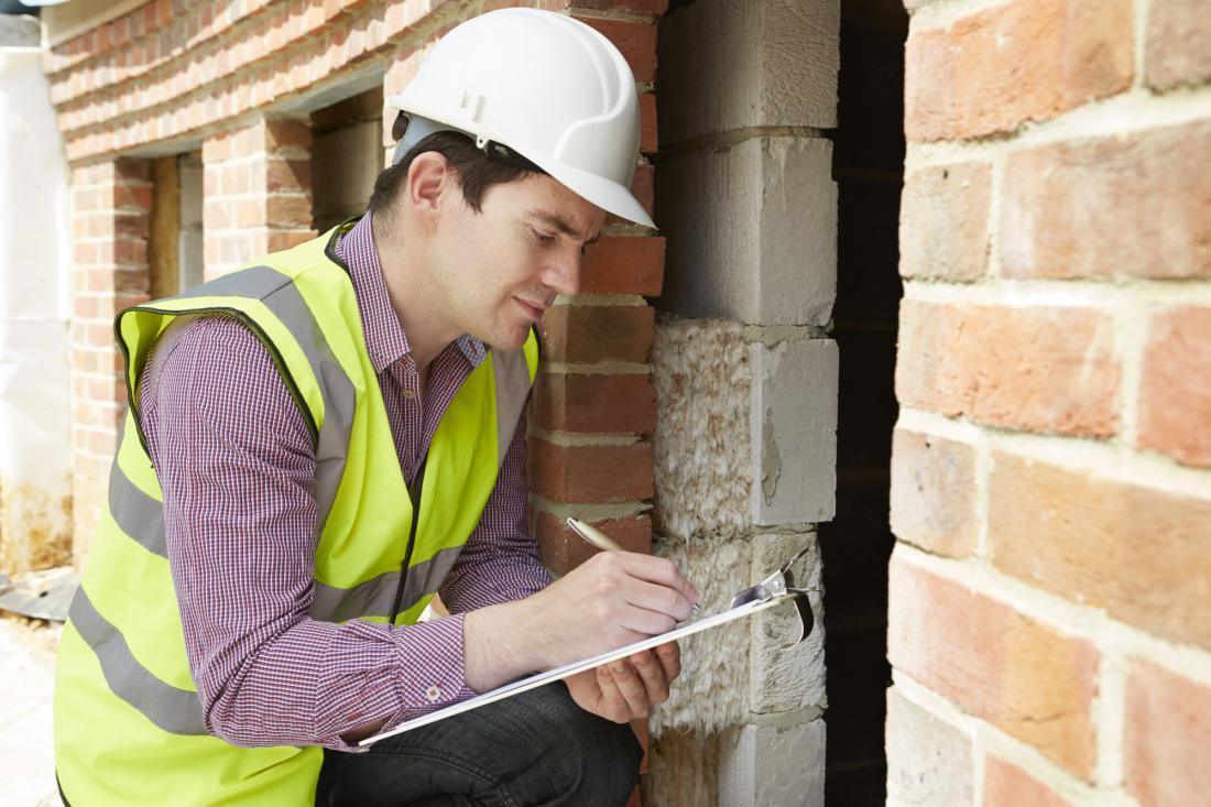 Vodja nadzora mora biti pooblaščeni strokovnjak gradbeništva ali arhitekture.
