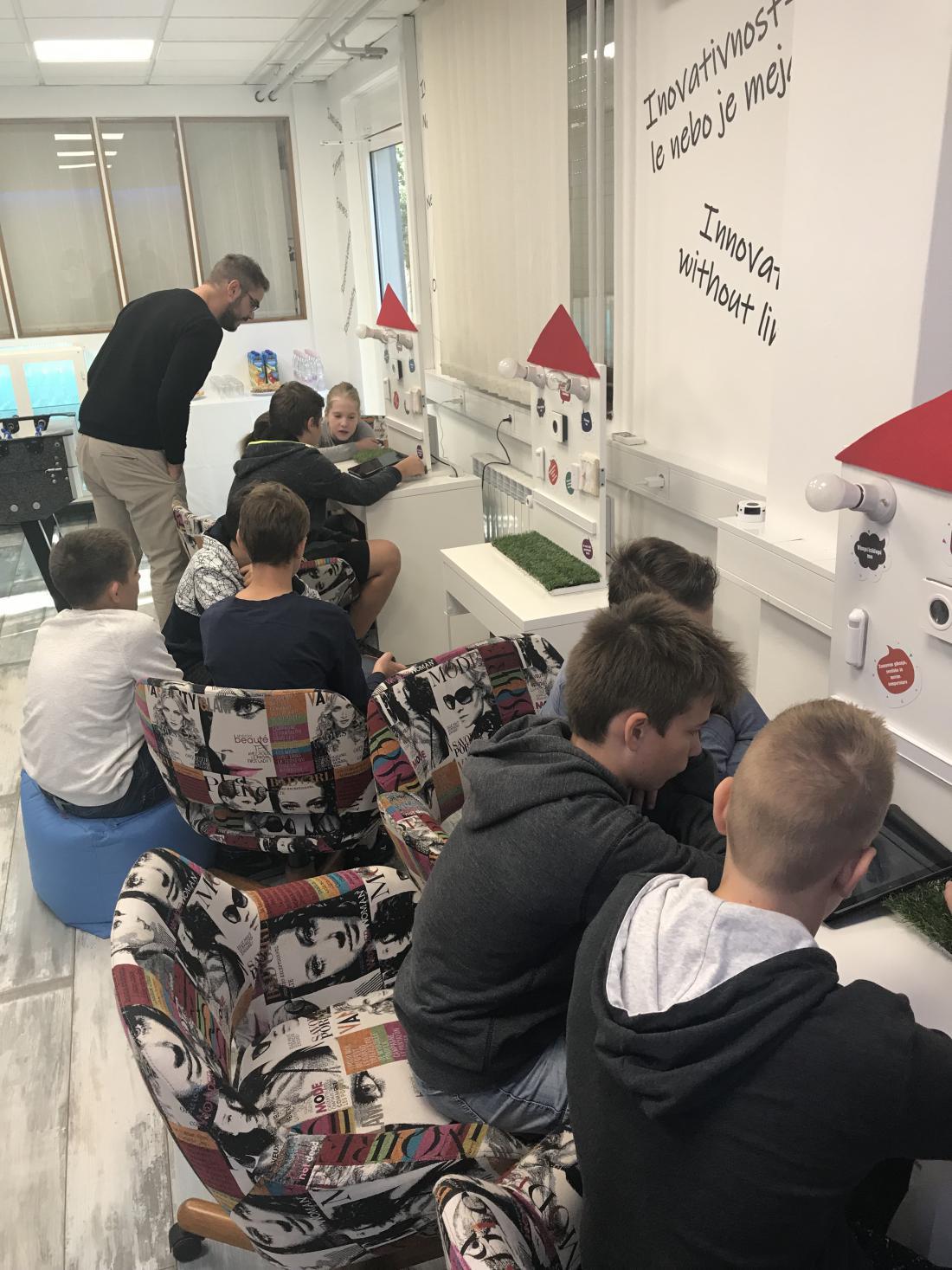 V podjetju GOAP imajo posebne delavnice za osnovnošolce, v katerih lahko ti odkrijejo svoj potencial inovativnosti. Zamisli otrok so izhodišče za mnoge inovacije.