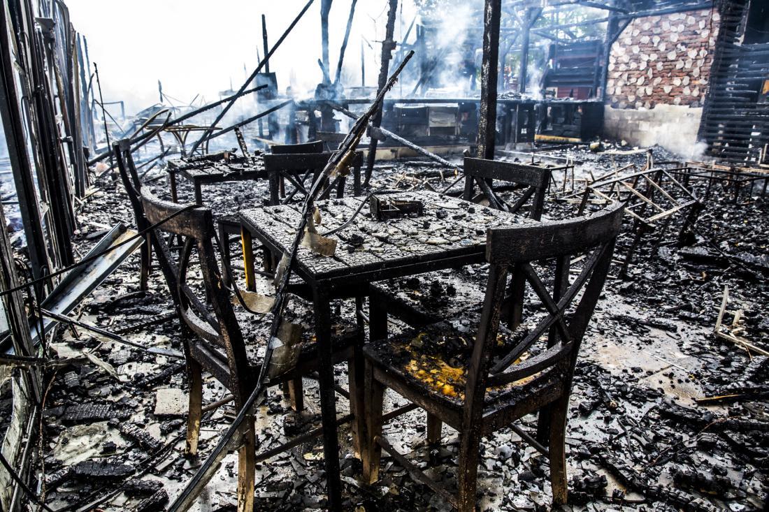 Najpozneje tri dni po požaru moramo škodo prijaviti zavarovalnici.