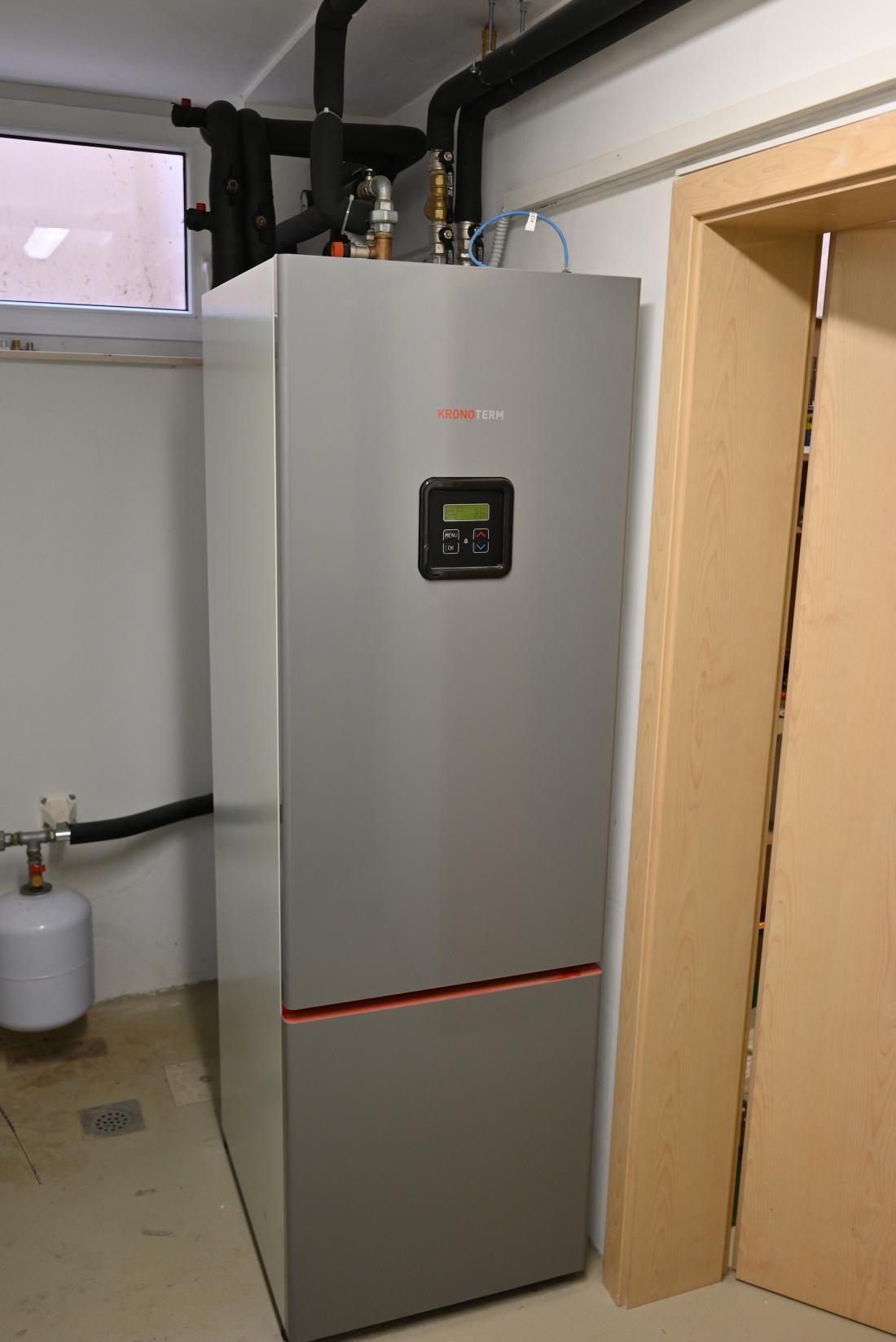 Po temeljiti energetski obnovi hiše bo za ogrevanje zadoščala toplotna črpalka. FOTO: Bojan Žnidaršič