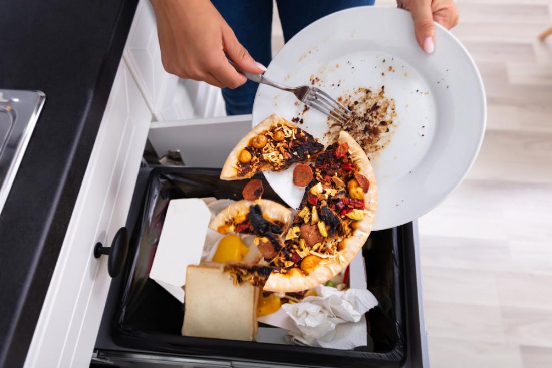 En kilogram zavržene hrane predstavlja 1,9 kilograma CO2. FOTO: Andrey_Popov/Shutterstock